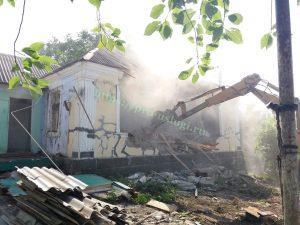 Снести дом. Разобрать старый дом